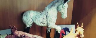 Ceramic horses made by Coralie Miotto-Ellers