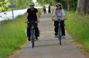 Canal des deux mers cycle path